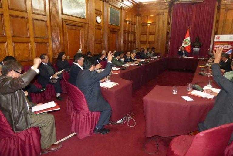 Mesa de trabajo con autoridades universitarias para trabajo conjunto