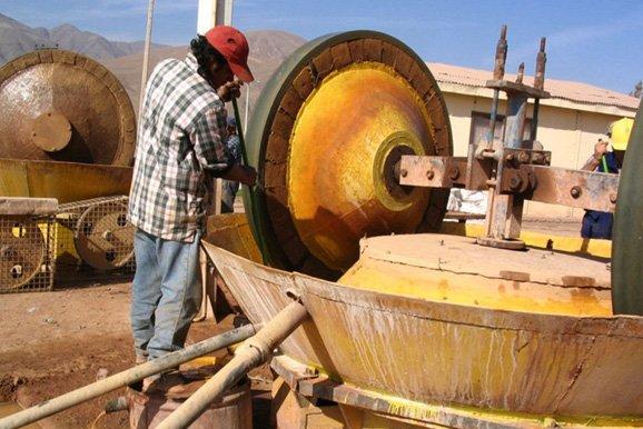 Diálogo entre el Ejecutivo y la minería artesanal es impulsado por institución