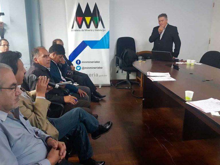Curso de Economía de Minerales en el Ministerio de Minería de Bolivia