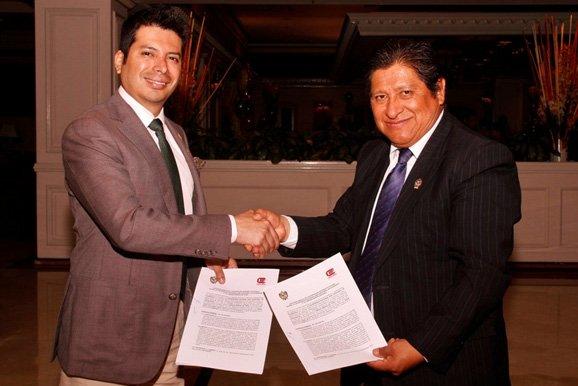 Firma de convenio marco con la UNSCH por educación minera