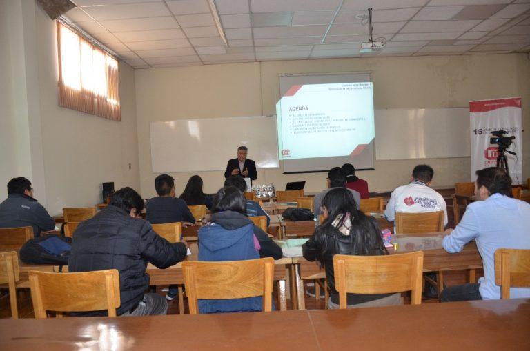 Curso de capacitación en la Universidad Técnica de Oruro
