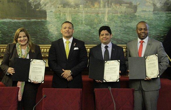 El Parlamento Andino y la Cámara Minera sobre la educación virtual