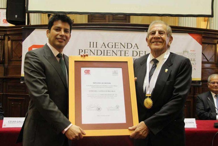 Ingeniero Guido del Castillo distinguido por el Congreso y nuestra institución