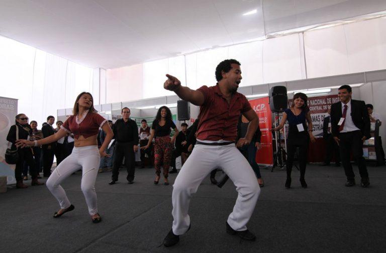Feria del Congreso Minero GEOMET 2016 presentó danzas típicas del Perú