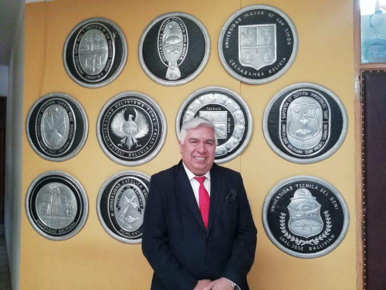 Doctor Carlos Castagnola asume cargo de director de posgrado